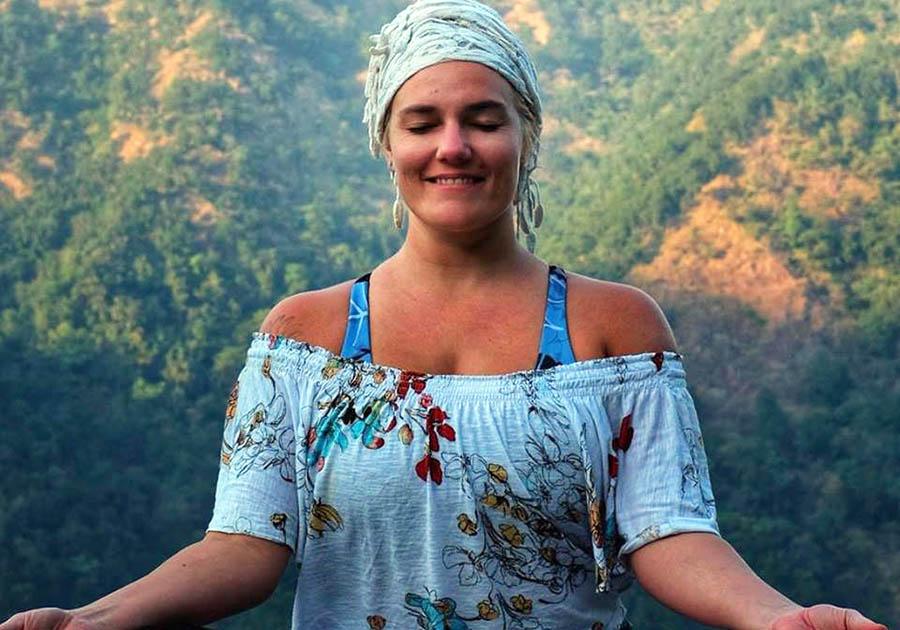 yogadis.is